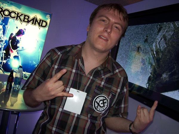 Dan Teasdale, el diseñador jefe de Rock Band, abandona Harmonix y se va a Twisted Pixel