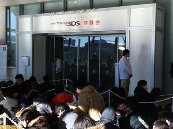 Nintendo 3DS, Nintendo agota en un día su stock de 3DS para Japón