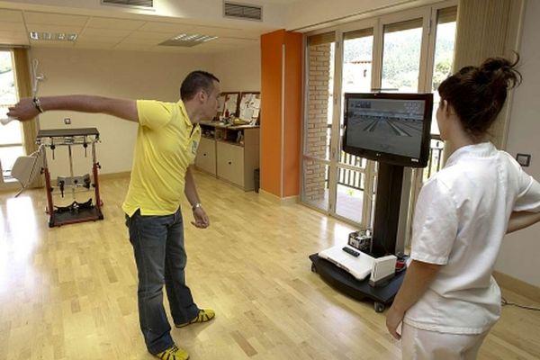 Usan la Wii de Nintendo en un hospital para rehabilitar a los pacientes con lesiones cerebrales