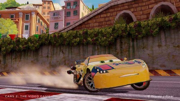 Cars 2: trucos, cómo desbloquear circuitos y trajes en el juego oficial de la película Cars 2