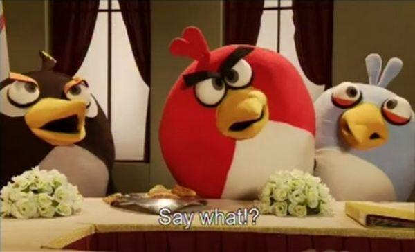 Los pájaros del juego Angry Birds en un debate televisivo